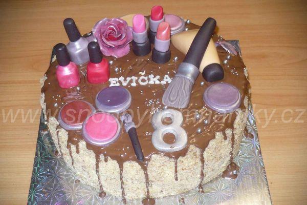 kosmetika084182E7-5120-F14A-31E3-142C42030513.jpg