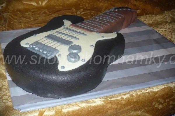 kytaraw2E9140128-E2C8-699F-2BB0-83E2F6CC836F.jpg